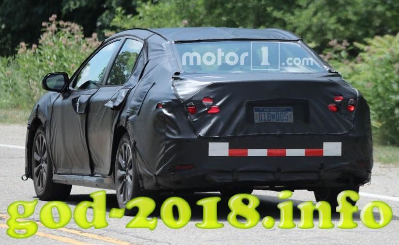 Toyota Camry 2018 foto (11)