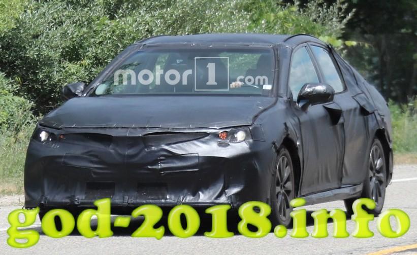 Toyota Camry 2018 foto (12)