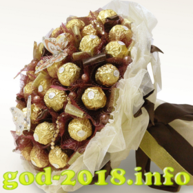 buket-iz-konfet-novyj-god-2018-foto-2