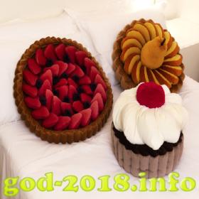 neobychnye-podushki-novyj-god-2018-foto-3