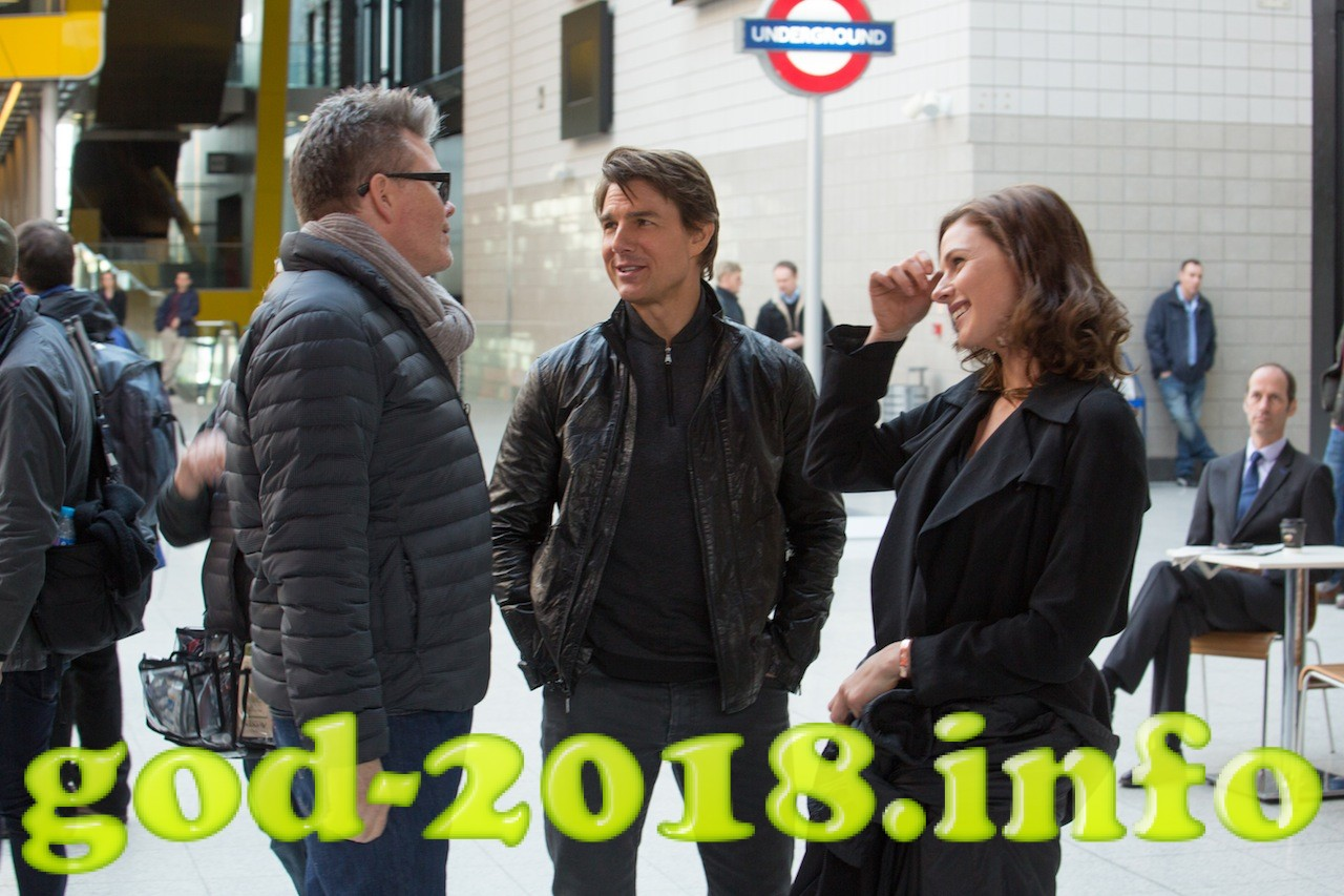 Left to right: Director Christopher McQuarrie, Tom Cruise, and Rebecca Ferguson on the set of Mission: Impossible – Rogue Nation from Paramount Pictures and Skydance Productions