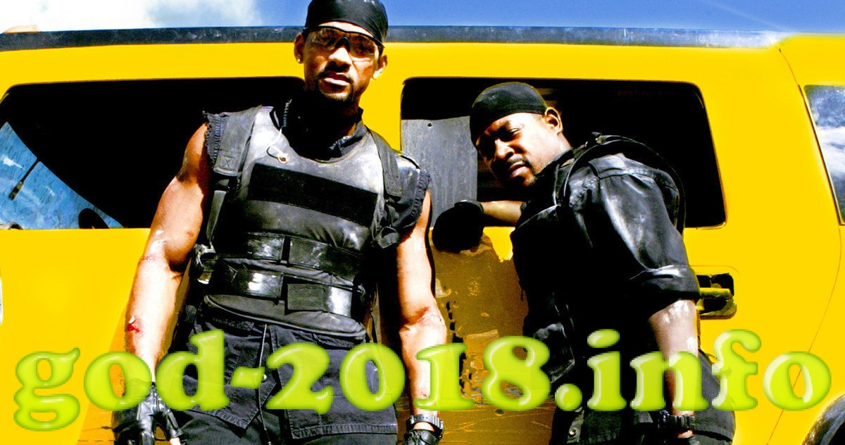 CA.0714.Badboys11 –– Will Smith (left) and Martin Lawrence reunite as Miami narcotics detectives Mike Lowrey and Marcus Burnett in Columbia Pictures' action packed Bad Boys II, produced by Jerry Bruckheimer and directed by Michael Bay. Photo Credit: Robert Zuckerman / © 2003 Columbia Pictures