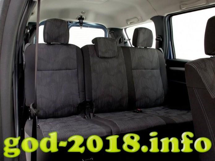lada-largus-2018-12